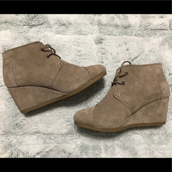 4210eb620cbf 75% off Toms Shoes Taupe Suede Desert Wedge Booties